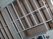 Português: Uma cela moderna em Brecksville Police Department, Brecksville, Ohio