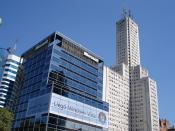 Microsoft Argentina building with Windows Vista advert.
