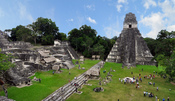 English: Tikal Mayan ruins Guatemala 2009 this photo is photoshopped - look at the treeline