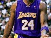 English: Kobe Bryant subs out vs the Washington Wizards