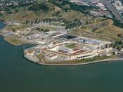 English: Aerial view of San Quentin State Prison, in Marin County, California. Español: Prisión Estatal de San Quentin en el Condado de Marin, California