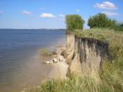 English: Soil erosion Українська: Руйнування берега