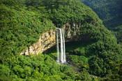 English: Caracol falls, near Canela, Rio Grande do Sul, Brazil. Português: Cascata do Caracol, próxima a Canela, Rio Grande do Sul, Brasil. Français : La Cascade de Caracol, près de Canela, dans le Rio Grande do Sul (Brésil).