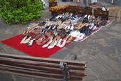 English: Used shoes for sale in Porto Alegre, Rio Grande do Sul, Brazil. Português: Sapatos usados à venda em Porto Alegre, Rio Grande do Sul, Brasil.