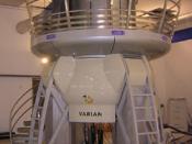 Italiano: Spettrometro NMR con elettromagnete superconduttore da 21,2 T, frequenza di risonanza del protone 900 MHz. 中文: 伯明翰HWB-NMR中心的900MHz核磁谱仪.