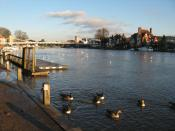 English: The Thames river at Marlow, Buckinghamshire, England.