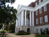 English: McKeldin Library, on the campus of the University of Maryland, College Park.