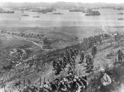 English: Landing of French troops in Moudros (Lemnos island) Français : Débarquement de troupes françaises à Moudros (île de Lemnos)