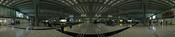 English: 300 degree indoor panorama of baggage claim area at Hong Kong International Airport near midnight. Français : Panorama sur 300 degrés de l'intérieur la zone de récupération des bagages de l'aéroport international de Hong Kong vers minuit. 中文: 香港國