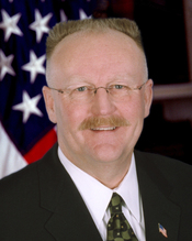 English: Portrait of FEMA Director Joe Allbaugh Photo by Greg Schaler/ FEMA News Photo