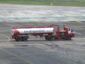 English: tanker in front of terminal 1C of