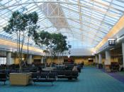 English: Concourse D at Portland International Airport