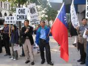 English: Anti-Taiwan independence protesters. Taken by RattleMan in Washington D.C. on October 20, 2005 Category:Republic of China