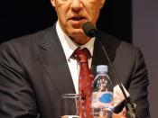 English: Francis Gurry, Director General of the World Intellectual Property Organization 日本語: 世界知的所有権機関のフランシス・ガリ