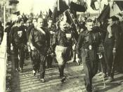 English: Benito Mussolini and Fascist blackshirts in 1920
