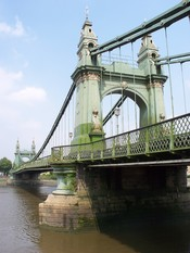 English: Hammersmith Bridge, London. Photograph taken in a public location in the UK of a building on permanent public display, and exempt from copyright under Section 62 of the Copyright Designs & Patents Act 1988 (