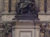 English: Statue of Molière at the corner of Rue de Richelieu and Rue Molière in Paris, France.