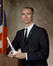English: Portrait of astronaut .