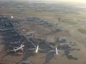 English: An aerial view of Terminal 3 at London Heathrow Airport. Suomi: Ilmakuva Lontoon–Heathrown lentoaseman terminaalista 3.