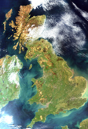 English: Satellite image of Great Britain and Northern Ireland in April 2002. Français : Image satellite de l'île de Grande-Bretagne et de l'Irlande du Nord.