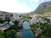 English: Mostar - Old Town Panorama. The picture was taken from this minaret, which is just opposit the bridge looking on the same part of the river. Magyar: Mostar - Óvárosi panoráma. A kép az itt látható minaretből készült, amely a híddal szemben van és