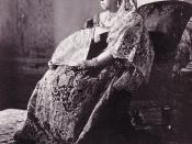 Queen Victoria wearing the Diamond Collet Necklace, Earrings and her large diamond bracelet.