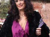 English: Italian actress Maria Grazia Cucinotta Italiano: L'attrice Maria Grazia Cucinotta ritratta a Firenze all'evento di moda Pitti Bimbo.