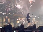 English: AC/DC in Tacoma, August 31, 2009. From left to right: Brian Johnson, Malcolm Young, Phil Rudd, Angus Young and Cliff Williams. Deutsch: AC/DC in Tacoma, 31 August 2009. From left to right: Brian Johnson, Malcolm Young, Phil Rudd, Angus Young and