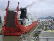 English: Tourcoing at Miraflores Locks, Panama in 2005