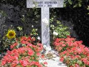 English: Grave of Audrey Hepburn in Tolochenaz, Switzerland.
