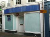 English: The old Cowes branch of the Nationwide Building Society, in the High Street, Cowes, Isle of Wight. It was to close on 11 August 2009, because the lease on the unit had expired, and the landlord refused to allow Nationwide to rent the building any
