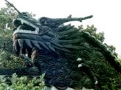 English: Three or four toe dragon at a former private garden in Shanghai, China Image taken late September, 2002 by User:Leonard G. Note that this Chinese dragon has fewer than five toes. Before the revolution of 1911, the display of five toed dragons was
