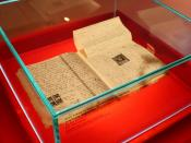 English: The Diary of a Young Girl by Anne Frank on display at the Anne Frank Zentrum in Berlin, Germany.