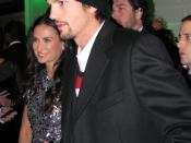 English: Ashton Kutcher and Demi Moore at the Huffington Post Pre-Inaugural Ball.