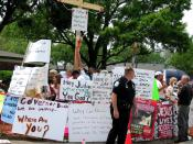 Protesters in front of Schiavo's Pinellas Park, Florida hospice, March 27, 2005.