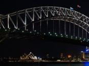 English: Sydney Harbour Bridge at night, taken near Luna park and Milson's point ferry. Français : Vue nocturne du pont du port de Sydney (Sydney Harbour Bridge), vu d'un point près du Luna Park et du Ferry de Milson's point.