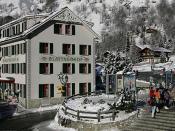 40px|border|Flag Deutsch: Dorfzentrum von Blatten mit Hotel