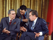 English: Richard Nixon meets Leonid Brezhnev June 19, 1973 during the Soviet Leader's visit to the U.S. Česky: Richard Nixon a Leonid Iljič Brežněv při Brežněvově návštěvě Spojených států 19. června 1973.