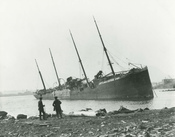 English: The Norwegian steamship Imo (ex. Runic (I), 1889) aground after the Halifax Explosion