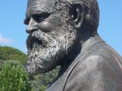 English: Statue of John Gale (1831-1929), founder of the Queanbeyan Age, advocate for the formation of the ACT/Canberra near Queanbeyan. Sculptor Peter Corlett, cast by Meridian Foundary