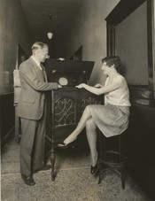 Vladimir Zworykin demonstrates electronic television (1929).