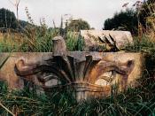 Français : Vestiges de la Maison du Peuple de Victor Horta entreposés de façon scandaleuse par la commune de Jette dans les champs dans les années 1980