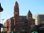 English: The Bexar County Courthouse in San Antonio, TX. Taken from nearby Main Plaza.