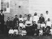 English: Students and teachers at Hebel State School, ca. 1920