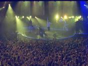 Coldplay's live performances during their 2002 tour were noted for their use of strobe lighting.