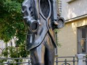 Monument to Franz Kafka by the sculptor Jaroslav Róna (2003), next to the Spanish synagoge, in Prague, Czech Republic. Bronze, height 375cm. Note: Freedom of panorama#Czech Republic Français : Monument à Franz Kafka, œuvre du sculpteur Jaroslav Róna (2003