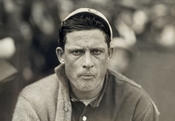 English: Head-and-shoulders portrait of Chicago White Sox pitcher Ed Walsh. Deutsch: Schulterstück des Chicago White Sox-Pitchers Ed Walsh