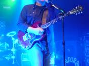English: Bernard Sumner, live at the Hammerstein Ballroom, New York City, 2005.