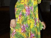 English: Woman wearing a muumuu