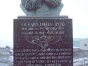 English: Bust of Rear Admiral Richard Evelyn Byrd at McMurdo Station. Deutsch: Richard Evelyn Byrd (NOAA) Bust of Rear Admiral Richard Evelyn Byrd at McMurdo Station. Image ID: corp2412, NOAA Corps Collection Photo Date: 1996 December Photographer: Michae